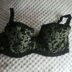 32E Fauve Bra Green Black Lace